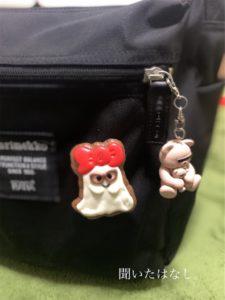 バッグにつけたtommyちゃんとQ-potのコラボおばけちゃん